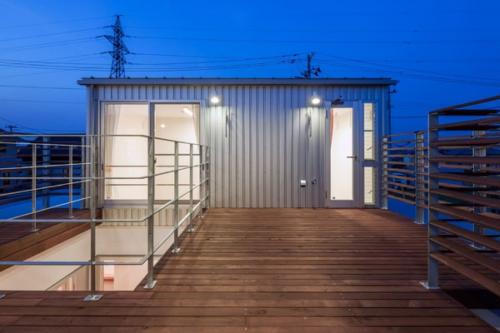 デザイナーズ 住宅 デッキ ルーフ バルコニー テラス シンプル モダン