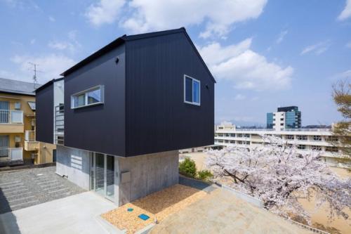 デザイナーズ 住宅 外構 斜面 崖 シンプル モダン