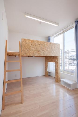 デザイナーズ 住宅 ベッド 収納 ロフト シンプル モダン