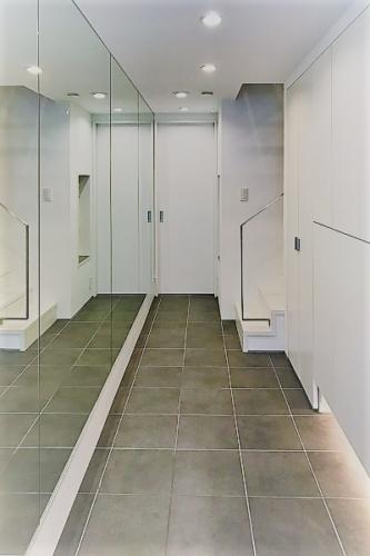 デザイナーズ 住宅 リビング エントランス シンプル モダン 建築家