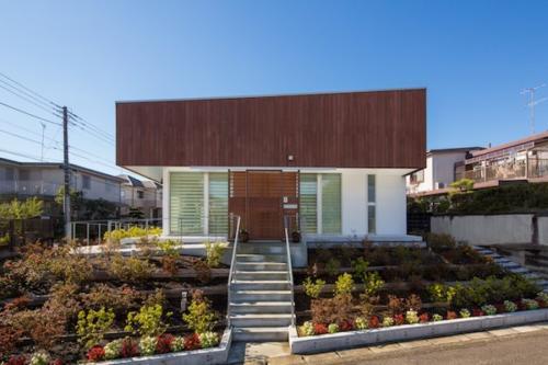 デザイナーズ 住宅 外観 レッドシダー 外壁 シンプル モダン