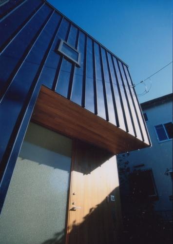 デザイナーズ 住宅 外観 ガルバリウム タテハゼ  外壁 シンプル モダン