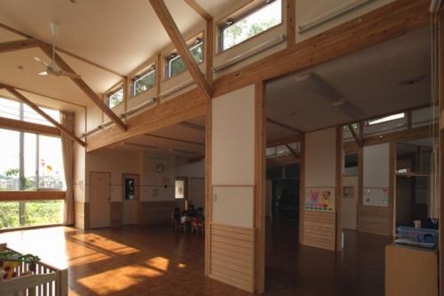 デザイナーズ 保育園 シンプル モダン 木 建築家